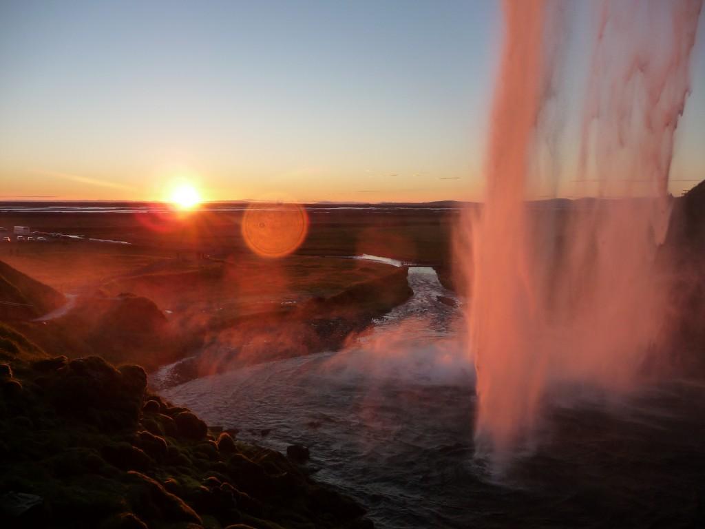 Seljalandsfoss és a naplemente