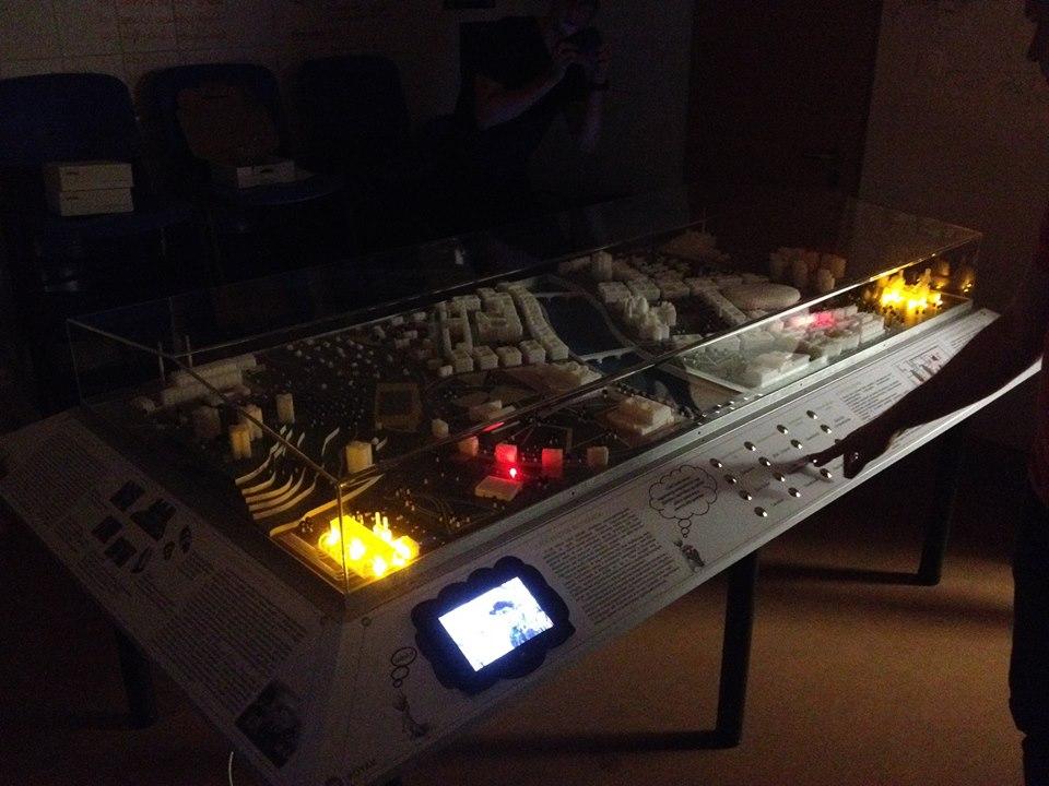 A 170-nél is több LED vonzó a gyeremekek számára is